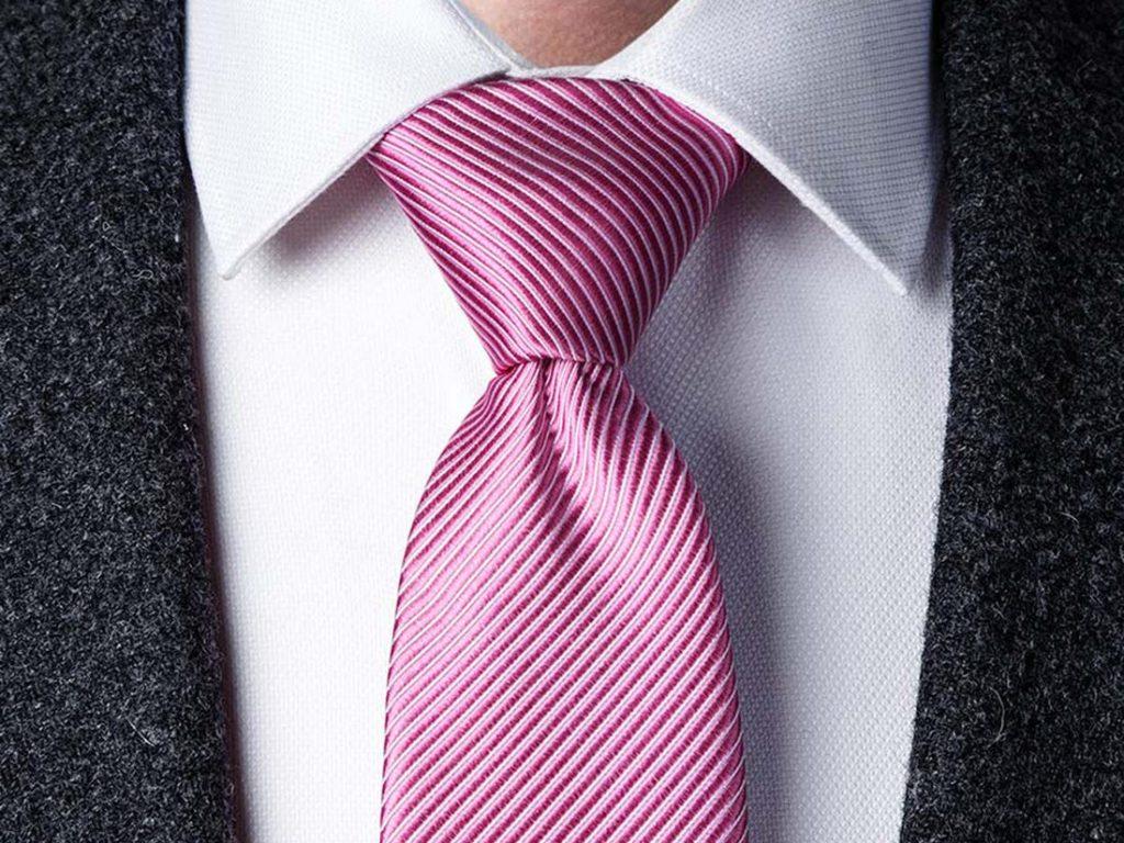 Cravata si nod Windsor